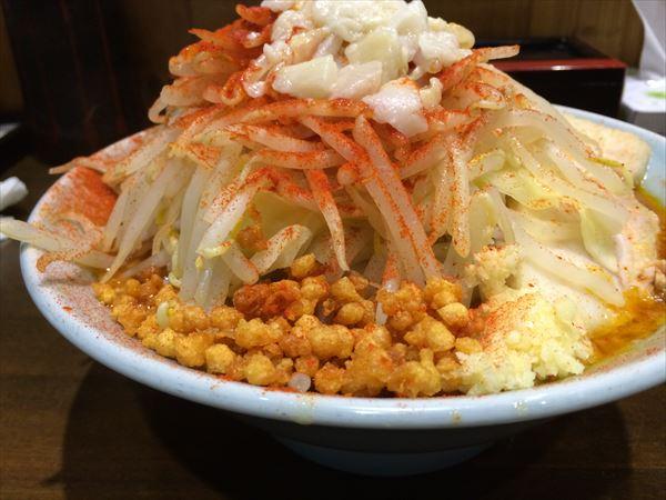 ファイヤー麺 横から